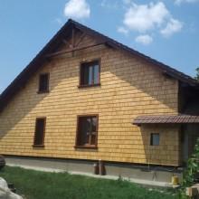 Отделка фасада кедровым шинглом. Частный дом с.Кайнары.